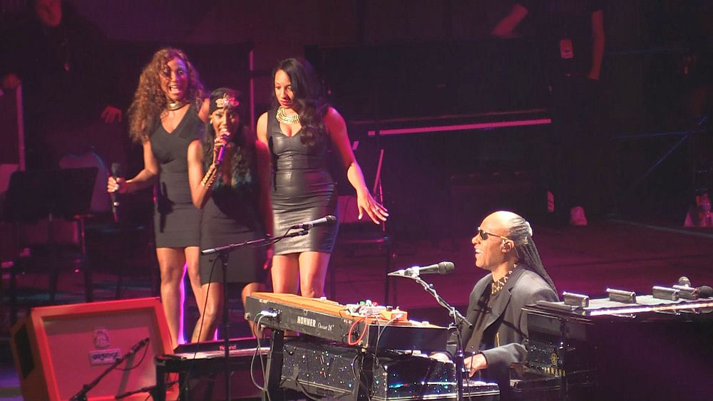Stevie Wonder and his ladies
